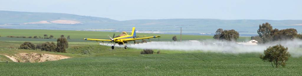 aircraft spraying crops